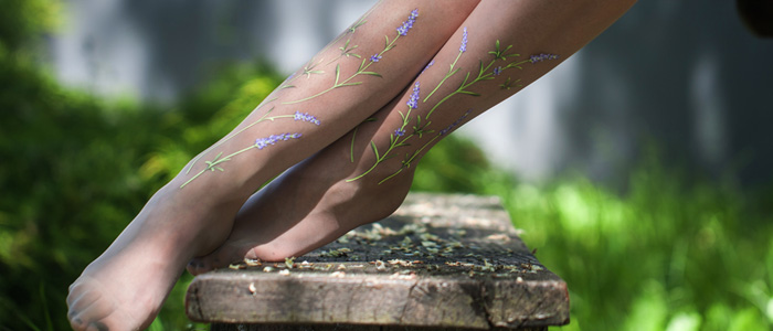 Realistic Flowers On Your Legs? New Floral Tights Collection!